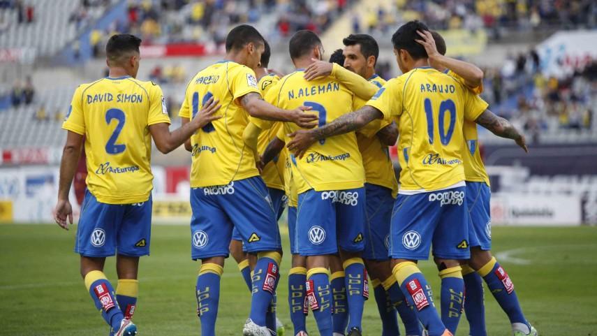 Las Palmas continúa líder en solitario