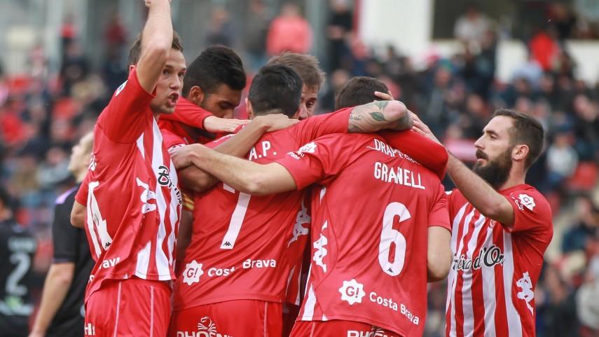 El Girona sigue la estela del liderato