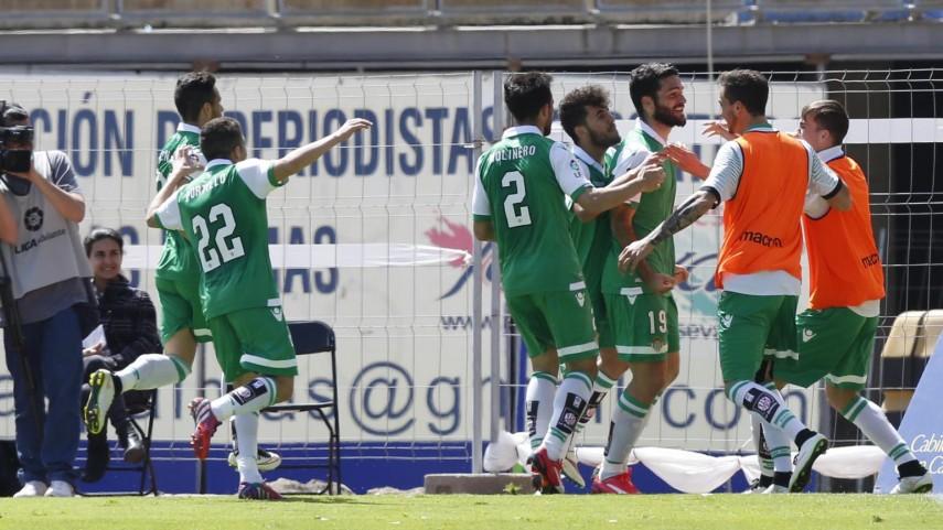 El Betis sale líder del Estadio de Gran Canaria