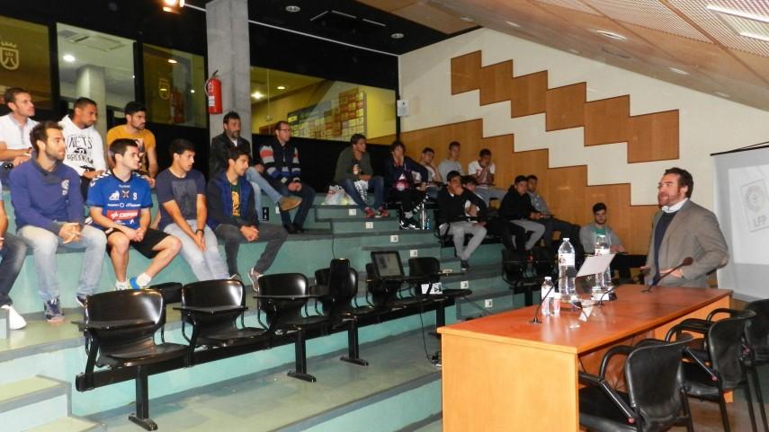 El Tenerife también acoge el Curso de Integridad de la LFP