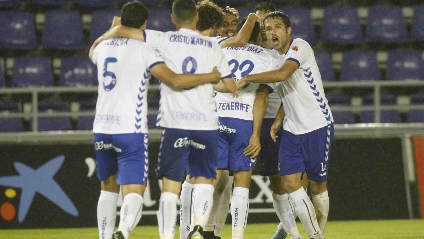 El Tenerife sigue fuerte en casa