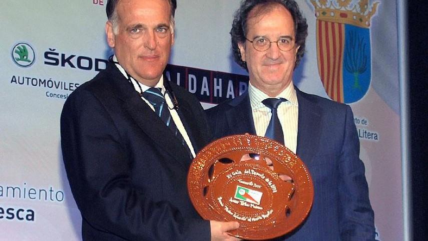 Javier Tebas recibe el premio 'Pedro Lafuente' al Mérito Deportivo