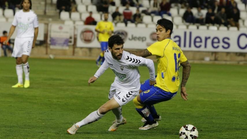 El Albacete se aleja del descenso