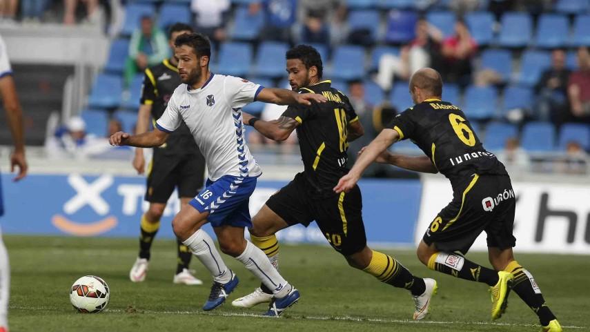 Buen fútbol y empate entre Tenerife y Zaragoza