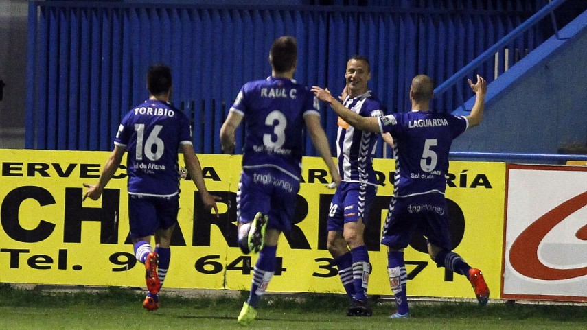 Jarošík rescata tres puntos en Alcorcón