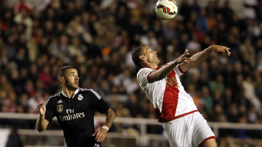Benzema sufre un esguince en la rodilla derecha