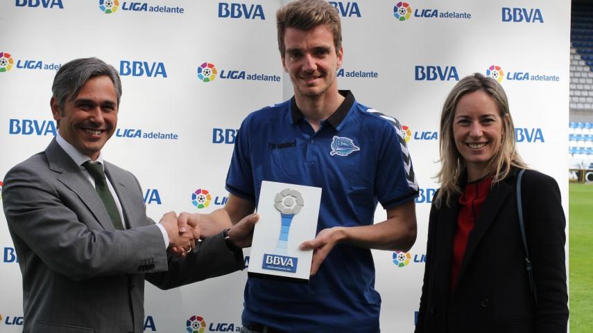 Premios BBVA: Manu Barreiro, mejor jugador de la Liga Adelante en marzo