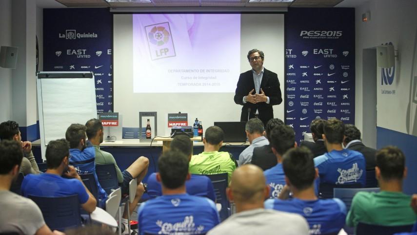 Levante y Elche reciben el Curso de Integridad de La Liga