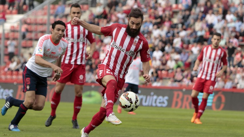 El Girona vence y recorta puntos con el líder