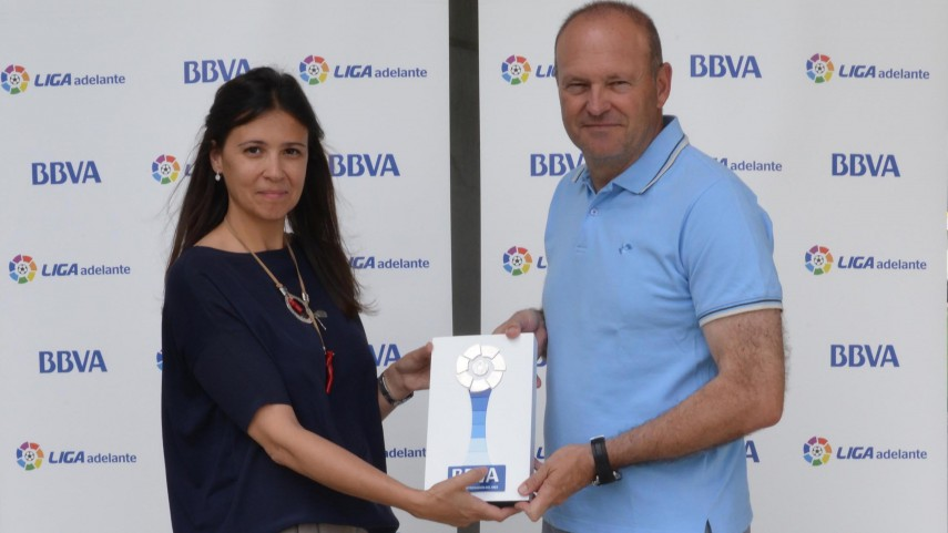 Pepe Mel wins April's Liga Adelante coach of the month award