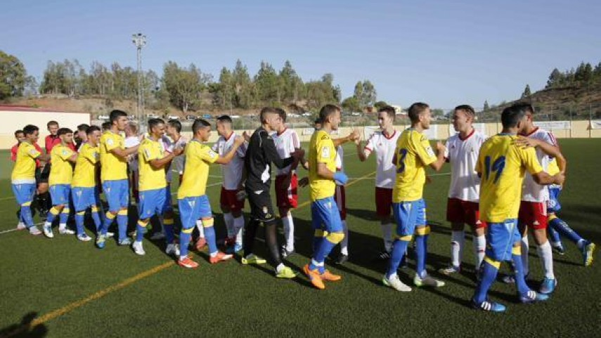 La UD Las Palmas golea en su estreno en la pretemporada