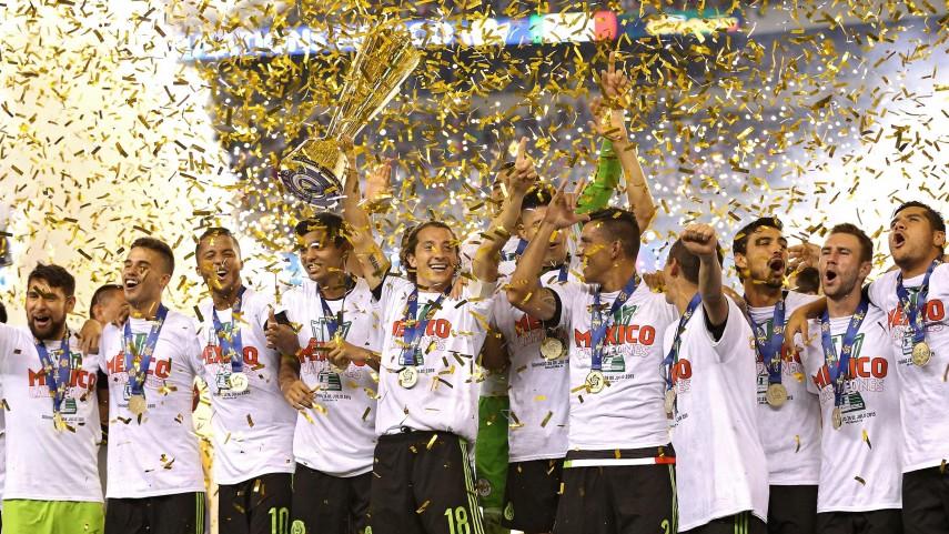 Vela, Ochoa y Jonathan dos Santos levantan la Copa Oro con México