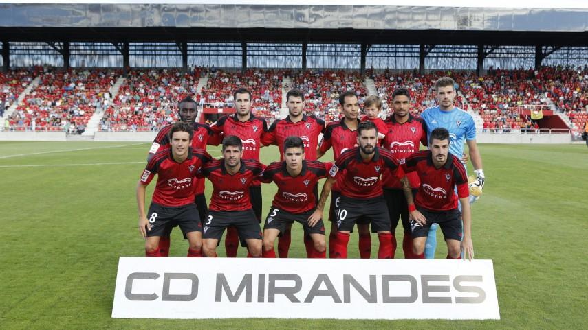 Dorsales oficiales del CD Mirandés para la temporada 2015/16