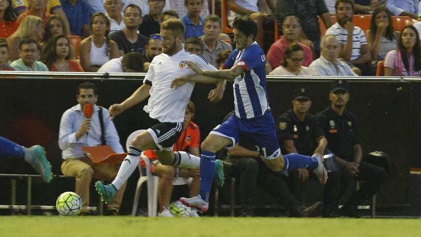Un organizado Deportivo frena al Valencia