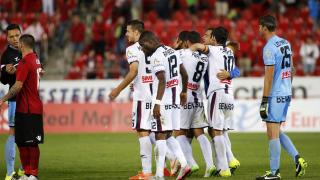 Osasuna remains at the top and Huesca achieved its first win