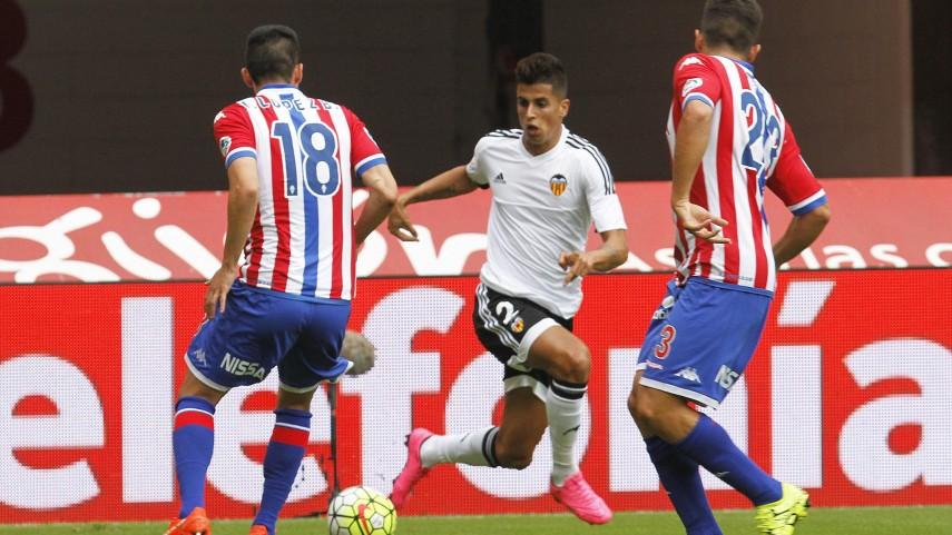 Paco Alcácer da el primer triunfo al Valencia