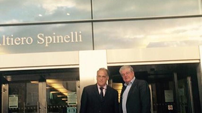 LaLiga defiende en Bruselas el modelo de negocio y valores del fútbol español