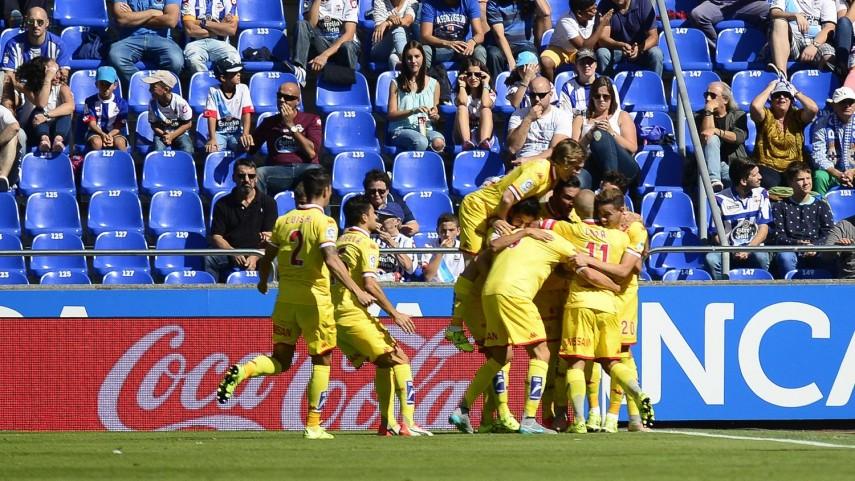 El Sporting logra su primera victoria del curso a costa del Deportivo