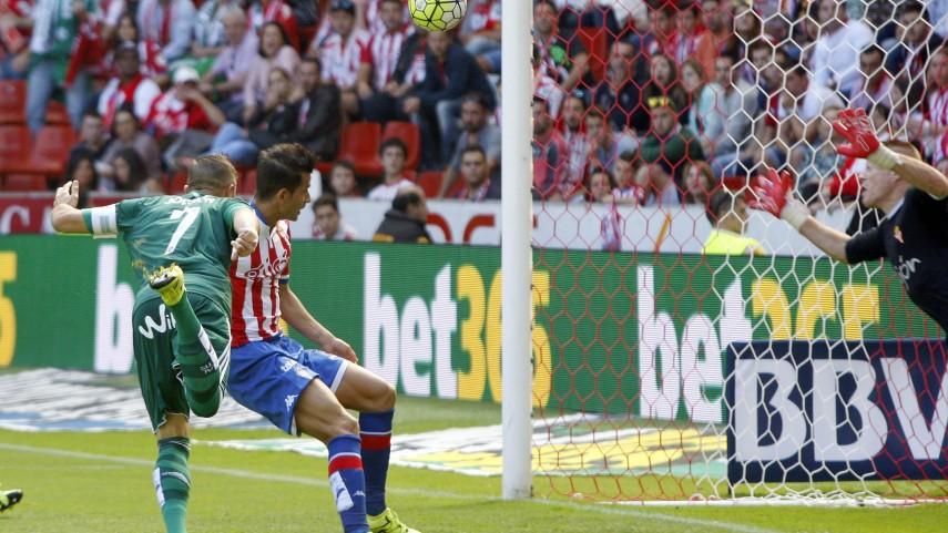 Joaquín volvió a marcar con el Real Betis 3.458 días después