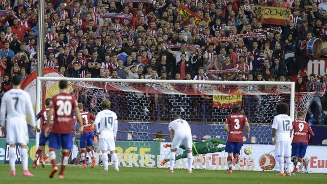 Directo: Keylor Navas detiene un penalti a Griezmann