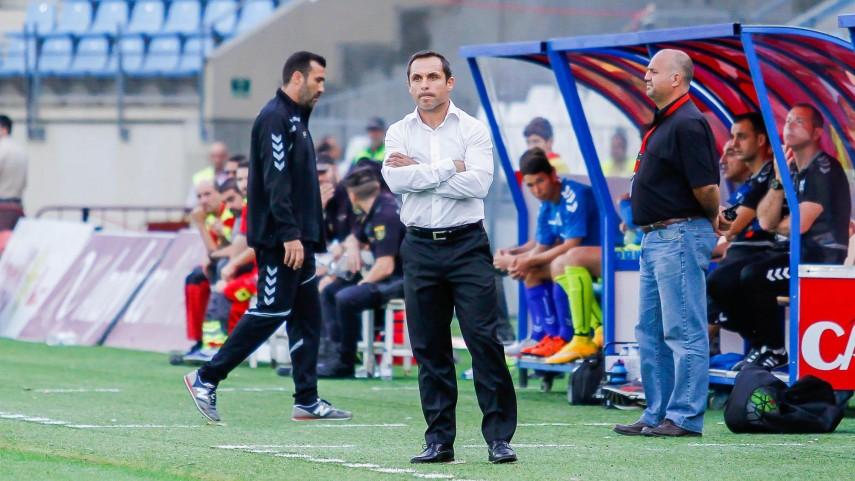 Sergi Barjuan deja de ser entrenador del Almería