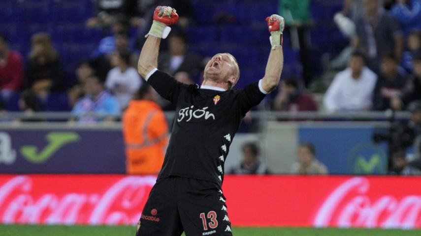 Álex Menéndez firma la victoria del Sporting en el último segundo