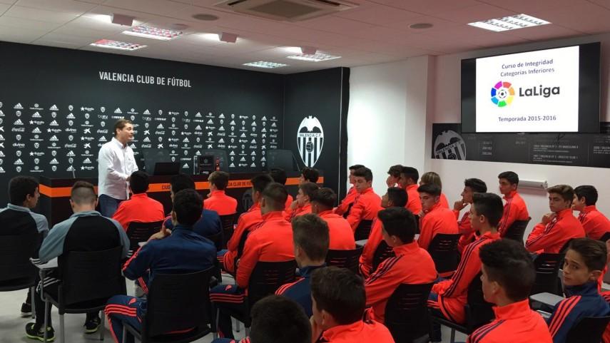Los talleres de integridad de LaLiga visitan a Valencia, Villarreal y Levante