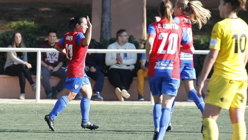 Charlyn Corral, máxima goleadora de Primera División Femenina