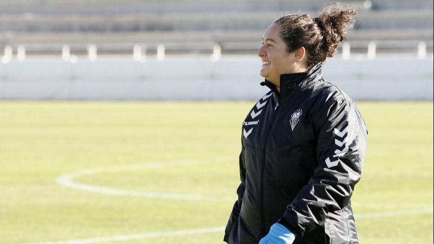 Milagros Martínez, la única entrenadora de Primera División Femenina