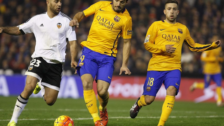 La fe del Valencia frena al Barcelona