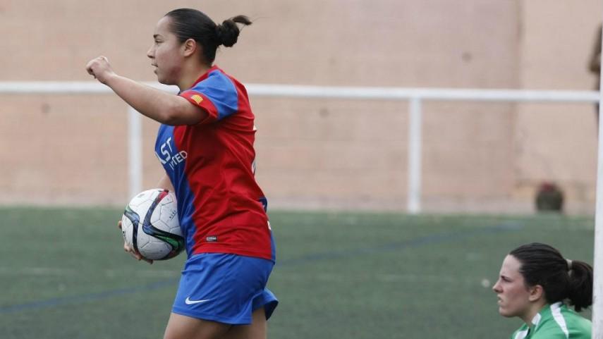 Charlyn Corral, máxima goleadora de Primera División con 10 goles en 11 jornadas