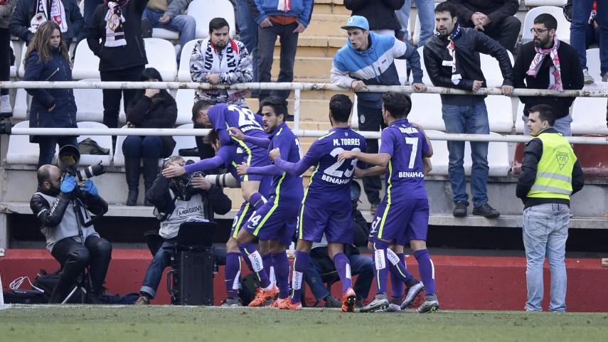 Duje Čop rubrica la primera victoria a domicilio del Málaga