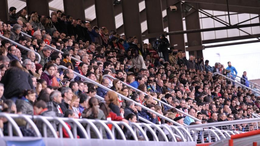 2.000 personas para ver al líder de la Primera División Femenina