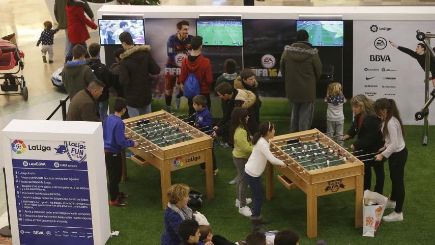 LaLiga Fun Tour se juega en el centro comercial Coso Real de Huesca
