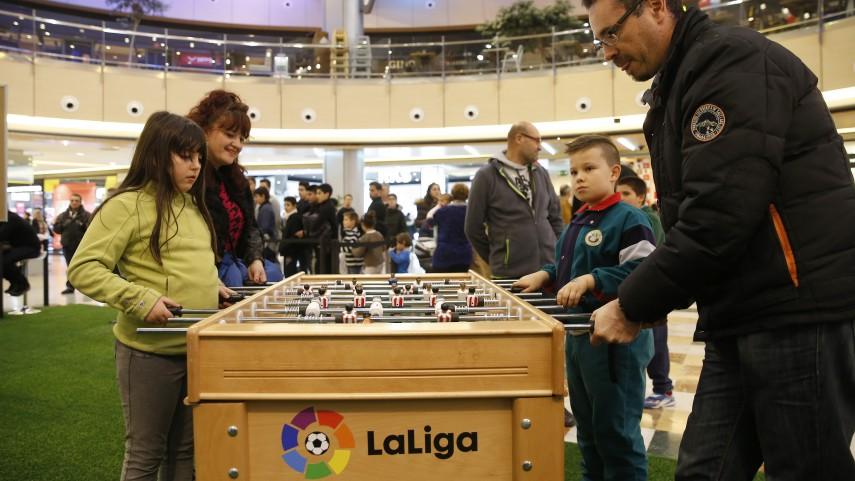 LaLiga Fun Tour se juega en el centro comercial Las Salesas de Oviedo