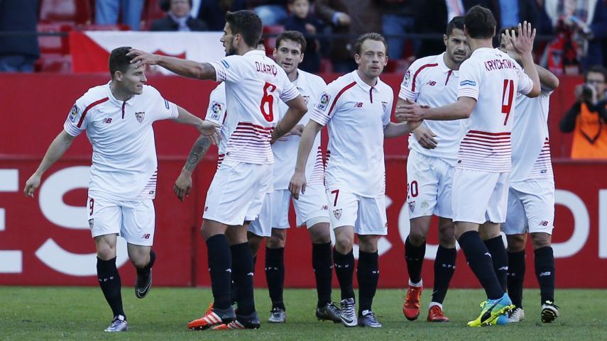 Gameiro le da al Sevilla su novena victoria consecutiva en casa