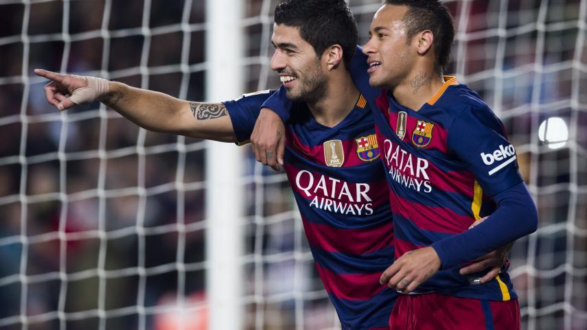 Luis Suárez divierte al Camp Nou