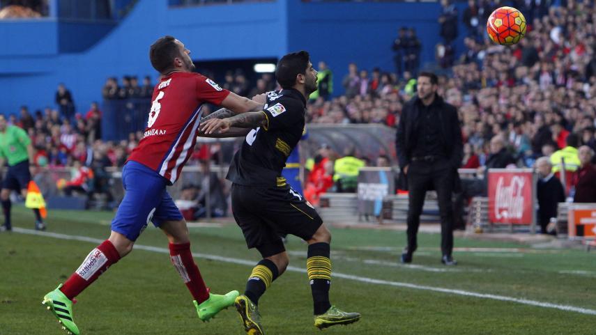 Ni Atlético ni Sevilla rompen el hielo en el Calderón
