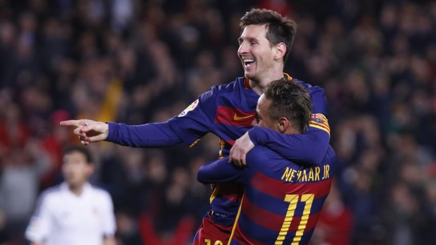 El FC Barcelona deslumbra y acaricia la final de la Copa del Rey