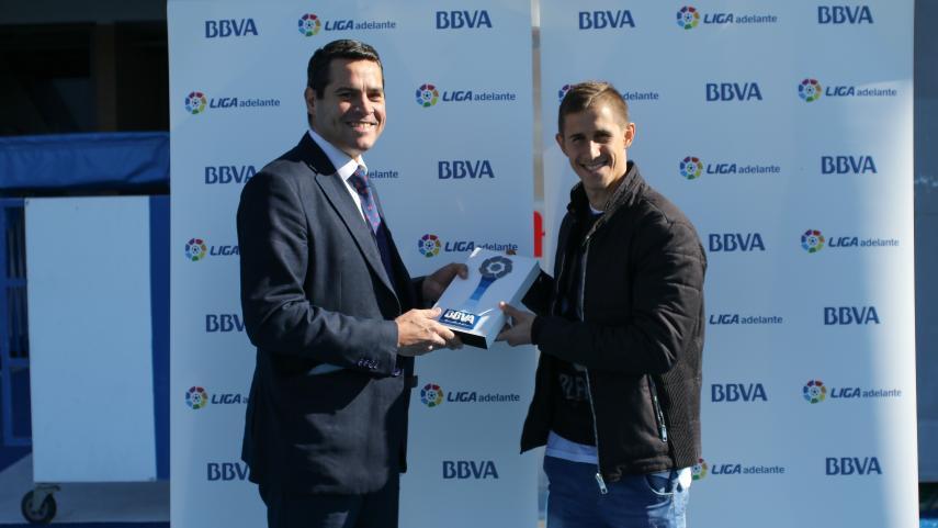 Alex Szymanowski named Liga Adelante Player of the Month for January