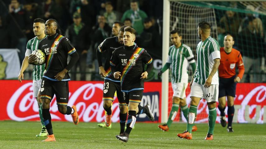 Rubén Castro y Manucho se reparten los puntos y los goles