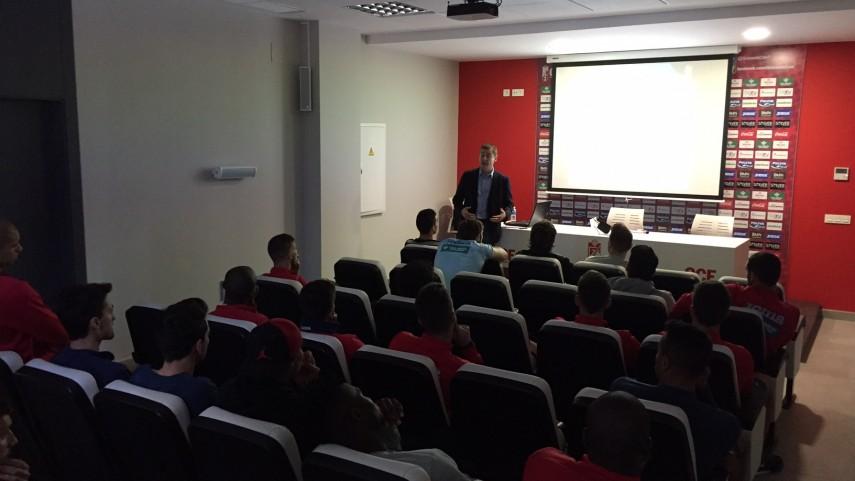 Granada CF, CD Numancia, Real Zaragoza y T. Alcaine ZGZ acogen el taller de integridad de LaLiga