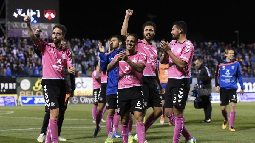 Osasuna y Zaragoza aprovechan los pinchazos de los 5 primeros.