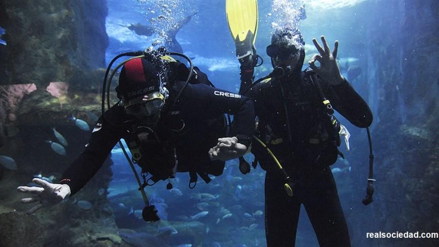 Rulli y Diego Reyes, un día entre tiburones