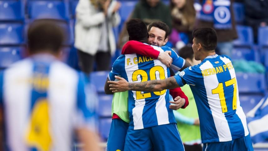 El Espanyol remonta al Athletic y toma aire en la tabla
