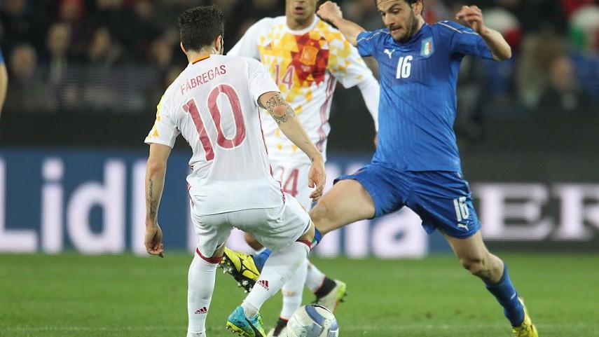 Italia y España empatan en Údine