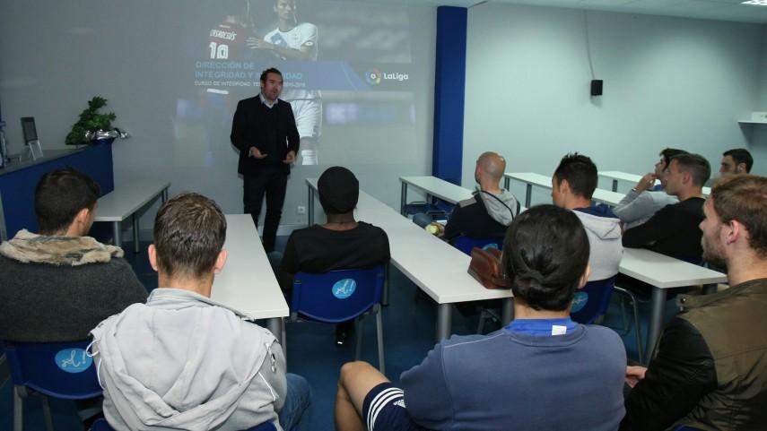 La SD Ponferradina y la SD Huesca acogen el taller de integridad de LaLiga
