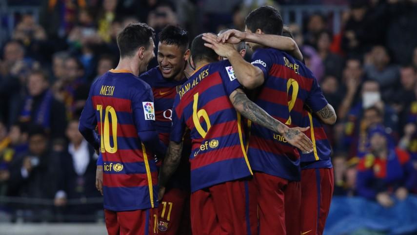 El Barcelona se aferra al liderato