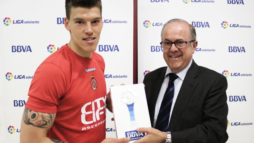 Isaac Becerra named Liga Adelante Player of the Month for April