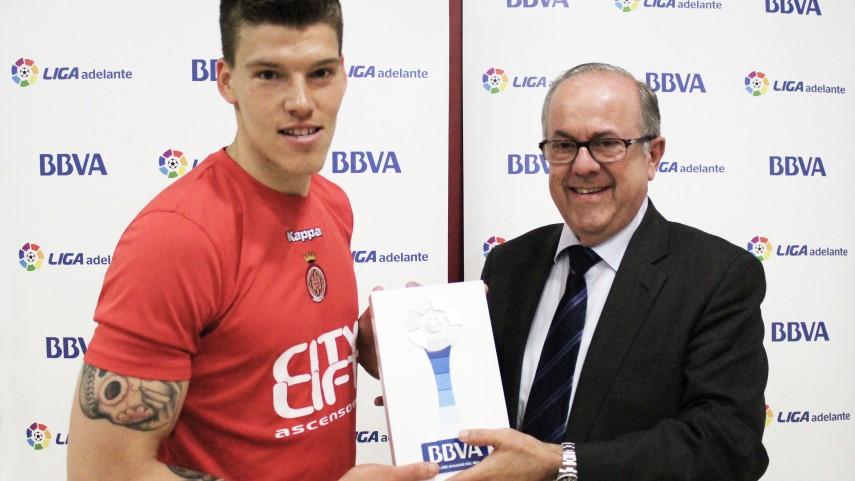 Isaac Becerra, Mejor Jugador de la Liga Adelante en Abril